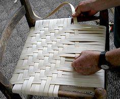 Re-weaving a cane bottom chair Chair Repair, Furniture Repair, Diy Furniture, Furniture Design, Chair Redo, Diy Chair, Handmade Furniture, Repurposed Furniture, Chaise Diy