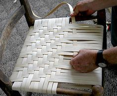 Re-weaving a cane bottom chair Chair Repair, Furniture Repair, Diy Furniture, Furniture Design, Chair Redo, Diy Chair, Handmade Furniture, Repurposed Furniture, Patio Furniture Makeover