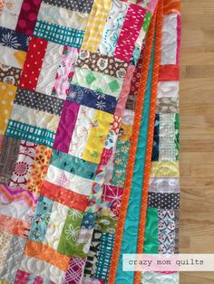 Crazy Mom Quilts: How to make a crazy rails quilt. (You can see more photos of my crazy rails quilt here , if you'd li. Scrappy Quilt Patterns, Jelly Roll Quilt Patterns, Jellyroll Quilts, Easy Quilts, Scrappy Quilts, Block Patterns, Crazy Quilt Tutorials, Quilting Tutorials, Quilting Templates