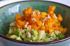 Tartare d'Avocats aux Pêches Une délicieuse et colorée interprétation vegan du tartare ... succulent et rafraîchissant ! http://www.gourmet-vegetarien.com/recette-vegan-tartare/