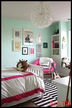 21 Cute Bedroom Ideas Girls 7 with beautiful wall decor - Bedroom Design Ideas - Bedroom Diy, Tween Bedroom, Cute Bedroom Ideas, Bedroom Makeover, Kids Bedroom Designs, Woman Bedroom, Bedroom Design, Bedroom Ideas Pinterest, Mid Century Bedroom Decor