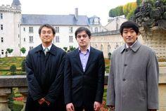 〈企画:将棋とチェスが出会うとき〉羽生善治二冠とマキシム・バシエ・ラグラーブさん、森内俊之名人=2011年10月29日、仏ビランドリー