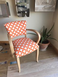 Fauteuil Bridge vintage orange et blanc