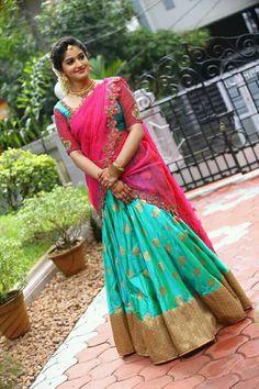 Half Saree Designs, Saree Blouse Neck Designs, Saree Blouse Patterns, Designer Blouse Patterns, Lehenga Saree Design, Half Saree Lehenga, Lehnga Dress, Anarkali, Wedding Lehenga Designs