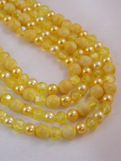 Vintage 1950's Necklace / Yellow Necklace / by VintageBaublesnBits, $18.00