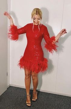 Holly Willoughby Legs, Holly Willoughby Outfits, Brighton, Feather Dress, Spice Girls, Looking Gorgeous, Mannequin, Lady In Red, Nice Dresses