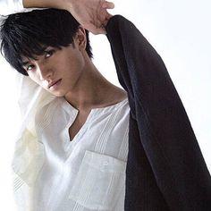 Cute Asian Guys, Cute Guys, Kento Nakajima, How To Look Handsome, Japanese Boy, Anime Japan, Kaneki, More Cute, Asian Men