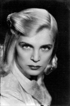 Lizabeth Virginia Scott ( 1922- 2015 ) Lizabeth Scott, Sirens, Old Hollywood, Virginia, Film, Women, Movie, Mermaids, Films