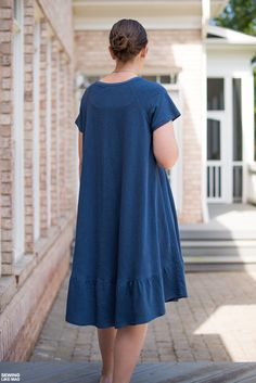 Sewing Like Mad: The Waterfall Raglan Dress by Chalk and Notch.