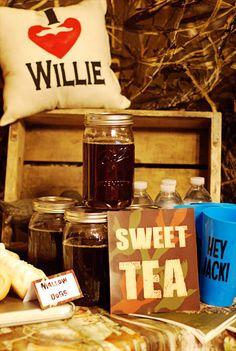 The Mason jars with sweet tea is a cute idea