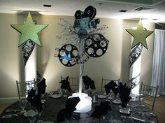 Hollywood Theme Centerpiece by The Prop Factory. Sometimes you gotta go big! Hollywood Party, Old Hollywood Theme, Vintage Hollywood, Movie Decor, Movie Themes, Party Themes, Party Ideas, Themed Parties, Red Carpet Theme