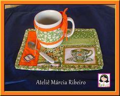 Mug Rug... | Flickr - Photo Sharing! Spanish language site, but I love the little mug wrap to help keep it warm.