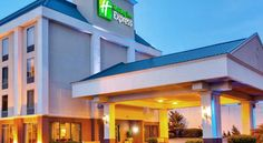 Holiday Inn Express Memphis Medical Center - Midtown Memphis Located just off Interstates 240 in midtown Memphis, this Holiday Inn Express features a daily hot breakfast buffet and outdoor pool. Free WiFi is available throughout the hotel as well.