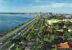 Dewey (Roxas) Boulevard, Manila (Pop used to drive us around in his owner-type jeep) Manila Philippines, Philippines Travel, Historical Landmarks, Historical Sites, Philippine Architecture, Jose Rizal, Philippine Holidays, Makati, Thing 1