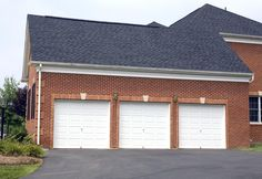 A Guide to Garage Door Sizes