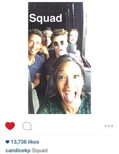 The flash cast in a bus gustin Arrow Flash, O Flash, Supergirl Dc, Supergirl And Flash, The Cw, Rip Hunter, Fandoms Unite, The Flashpoint, Flash Funny