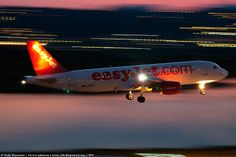 Easyjet Easy Jet, Kobe, Dusk, Airplanes, Boats, Aviation, Aircraft, Commercial, Night