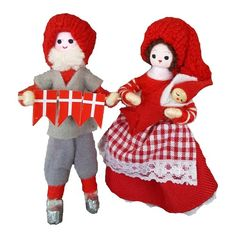 Køb Nissepar 2019 online i Illums Bolighus Christmas Tree, Christmas Ornaments, Ronald Mcdonald, Dolls, Holiday Decor, Character, Design, Home Decor, Threading