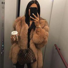 Mirror selfie @fashion_bgig By @charlotteemilysanders Check link in my bio