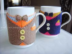Suit on a mug | The hands - Online Magazine