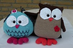 Crochet Owls...I have to figure out how to do this!!  These would make the cutest throw pillows in a little girls room!