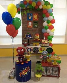 The decoration for a memorable and incredible birthday party, whatever the theme chosen, requires good planning. 1st Birthday Boy Themes, Kids Party Themes, Superhero Birthday Party, 4th Birthday Parties, Birthday Balloons, Avengers Party Decorations, Birthday Party Decorations, Iron Man Party, Avengers Birthday