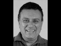 Memória: Jorge Helal lê texto anunciando saída de Hélio Ribeiro da Rádio...