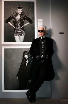 Karl s little black jacket Createur, Haute Couture, Merci, Chaton,  Photographies, Personnages e6aa6dccf8f