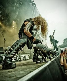 Behemoth II by HenriKack.deviantart.com on @deviantART Na ez koncertfotó!