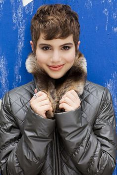 grey is a great alternative to black for bright winter Sami Gayle Sami Gayle, Black Dress Red Carpet, Black And Pink Dress, Pink Black, Pixie Hairstyles, Short Hairstyles For Women, Pixie Haircuts, Pixie Styles, Short Hair Styles