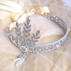 The Great Gatsby Headband Ivory Pearl Great Gatsby Party Outfit, Great Gatsby Prom, Gatsby Themed Party, Great Gatsby Theme, Great Gatsby Fashion, Gatsby Headband, Pearl Headband, Raindrops And Roses, Gatsby Style