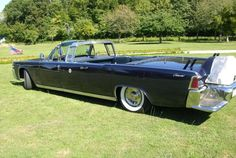 Pair of JFK Lincoln limousines – one real and one clone – head to auction