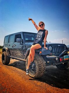 Just Jeep stuff that I like. Jeep Wrangler Rubicon, Jeep Wrangler Unlimited, Jeep Wranglers, Jeep 4x4, Jeep Truck, Trucks And Girls, Car Girls, Jeep Baby, Jeep Photos