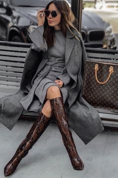 Winter Fashion Outfits, Fall Winter Outfits, Fashion Boots, Autumn Winter Fashion, Classy Outfits, Chic Outfits, Snakeskin Boots, Mode Inspiration, Looks Style