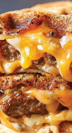 Patty Melt Grilled Cheese - A classic American diner sandwich, with melted cheesy goodness, a juicy patty and caramelized onions - made in a waffle maker! Diner Recipes, Sandwich Recipes, Cooking Recipes, Tofu Recipes, Ultimate Sandwich Recipe, Grilled Sandwich Ideas, Waffle Maker Recipes, Salad Recipes, Melt Grilled Cheese
