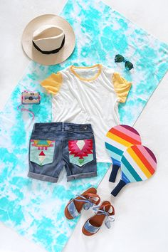 from I SPY DIY here. For my next installment, I took a pair of classic denim and added a pop of color to create patchwork pocket shorts. How To Make Clothes, Diy Clothes, I Spy Diy, Summer Outfits, Cute Outfits, Diy Shorts, Ae Jeans, Short En Jean, Denim Patchwork