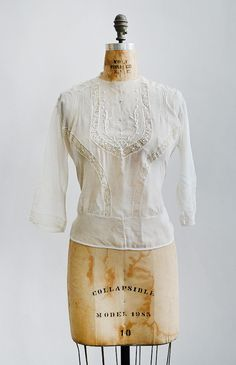 FCBTC / antique Edwardian top / Waking Vera Blouse from Adored Vintage Vintage Inspired Outfits, Retro Outfits, Vintage Style Outfits, Vintage Dresses, Vintage Clothing, Edwardian Fashion, Vintage Fashion, Edwardian Dress, Medieval Fashion