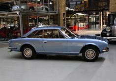 Peugeot 504 Coupe.