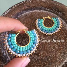 Eloisa HerreraさんはInstagramを利用しています:「#hechoamano #EloisaHerrera #jewelrydesigner #custom #artesania #todaysoutfit #outfitpost #earrings #pendientes #zarcillos #aretes…」 Ear Jewelry, Bead Jewellery, Seed Bead Jewelry, Beaded Jewelry, Beaded Bracelets, Dyi Earrings, Brick Stitch Earrings, Earrings Handmade, Handmade Jewelry