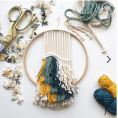 Weaving + macrame + embroidery hoop = the best craft mashup I've ever seen 😍 📷 by: Diy Macrame Wall Hanging, Weaving Wall Hanging, Weaving Art, Loom Weaving, Tapestry Weaving, Wall Hangings, Weaving Projects, Craft Projects, Yarn Crafts