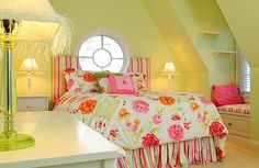 Such a *happy* bedroom!  #countryliving #dreambedroom