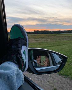 Jordan Shoes Girls, Girls Shoes, Zapatillas Nike Jordan, Swag Shoes, Braut Make-up, Aesthetic Shoes, Fresh Shoes, Hype Shoes, Summer Aesthetic