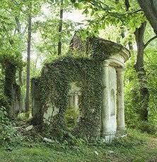 My dream garden must have a little piece of romantic Gothic ruin