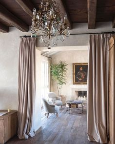 〚 White, classic details and minimalism: airy home with character in Spain 〛 ◾ Photos ◾ Ideas ◾ Design #interiordesign #homedecor #idea #Inspiration #cozy #living #style #space #tips #decor #interior #old #vintage French Interior, Classic Interior, Luxury Interior, Interior Styling, Interior Design, Loft Interiors, Contemporary Interior, Home And Living, Cozy Living