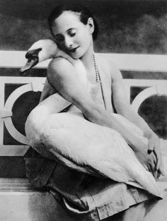 Anna Pavlova and her pet swan Jack, 1905.   Gaaasp, you can totally have swans as pets, gaaasp, oh, how I wish that was me right now.