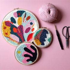 During this workshop you will learn the punch needle technique – a very easy and rewarding craft that will surely get you addicted! Embroidery Art, Embroidery Patterns, Print Patterns, Punch Needle Patterns, Art Textile, Punch Art, Rug Hooking, Arts And Crafts, Weaving