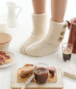 Free Knitting Patterns. House boots, kids and adults sizes