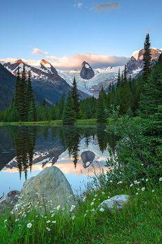 Heli-Skiing and Heli-Hiking (1000 Places) - British Columbia, Canada