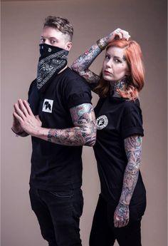Thickasabrick – Nuit Blanche  Ca fait toujours plaisir de voir un label allemand nommer sa collection en français Il faut préciser que Thickasabrick est basé à Aachen, plus connue chez nous comme Aix-la-Chapelle. Et que c'est la ville la plus à l'ouest de l'Allemagne. Leur dernière capsule se compose de 2 sweats, 2 tee-shirts et 2 snapbacks hyper minimalistes et super soignés…  http://www.grafitee.fr/tee-shirt/thickasabrick/  #lifestyle #fashion #streetwear #Tshirts #Germany #Thickasabrick