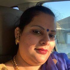Aunty In Saree, India Beauty, Beauty Women, Close Up, Hot, Fashion, Moda, Fashion Styles, Fashion Illustrations